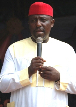 Governor Rochas Okorocha Makes 305 Imo Youths Millionaires