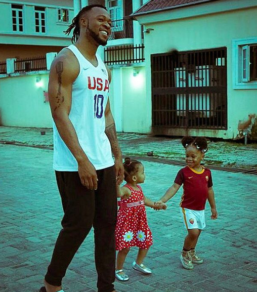 flavour-and-his-daughters-01-1