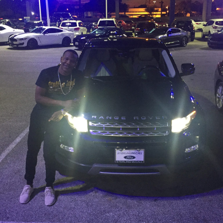 Popular Instagram Comedian, AphricanApe, Buys Himself A Range Rover Evoque